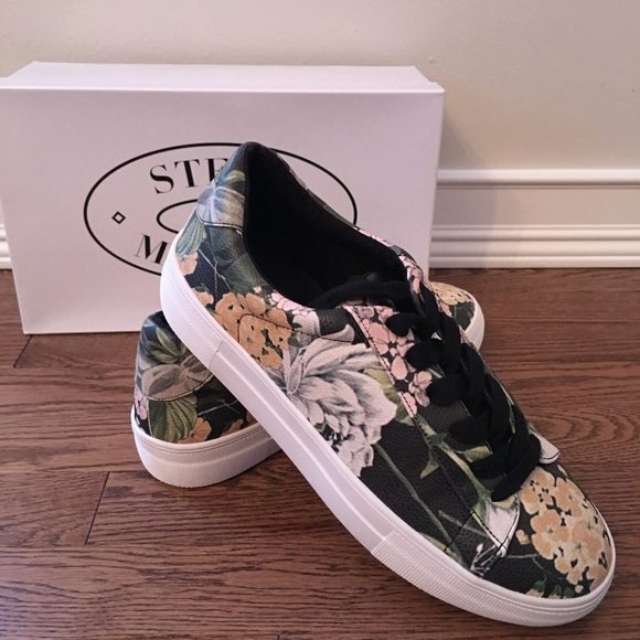 6a29446c1c6 New in Box Steve Madden Gisela Floral Sneakers